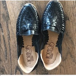Anthropologie Shoes - Mexican huaraches